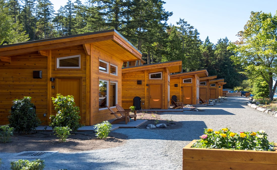 Located 45u0027 From The Shore, Our One Bedroom Log Cabins Will Delight You.  The 450 Square Foot Log Cabins Have Lofted Ceilings And Windows Galore, ...