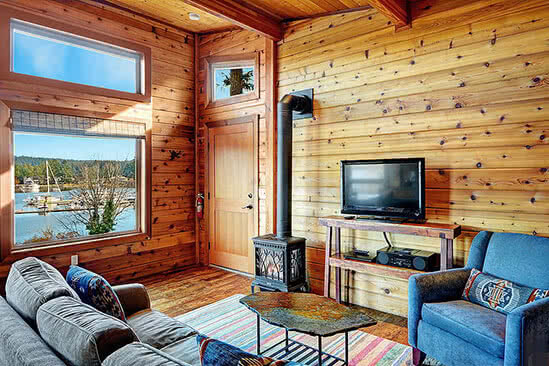 Waterview Cabin living room